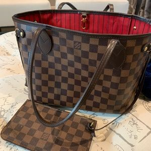 Louis Vuitton Never Full PM very good condition.